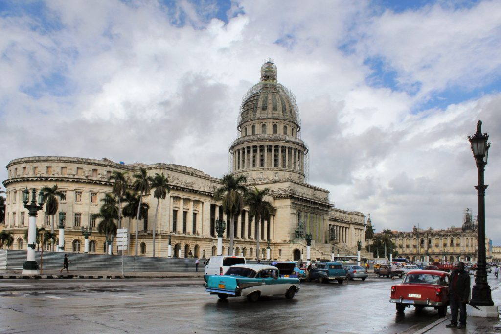 Cuba Havana El Capitolio Vintage cars charming Habana vieja