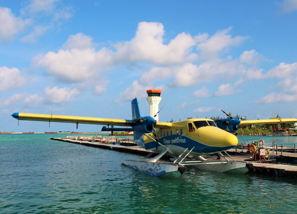The best transport method: via the water plane
