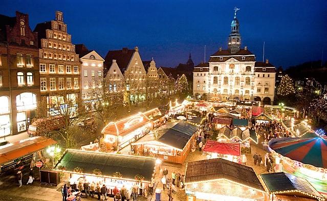 Lüneburg Christmas market by Rathausmarkt