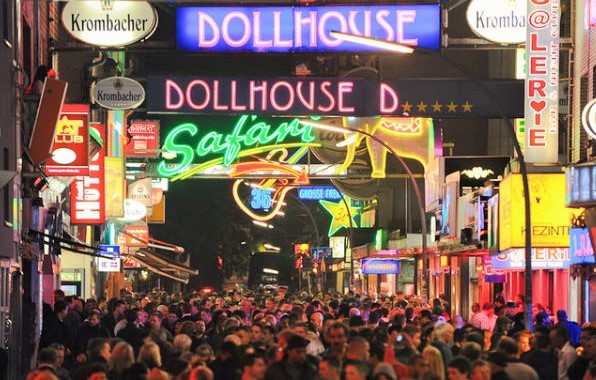 The famous red light district of Hamburg: Reeperbahn Germany travel suelegance